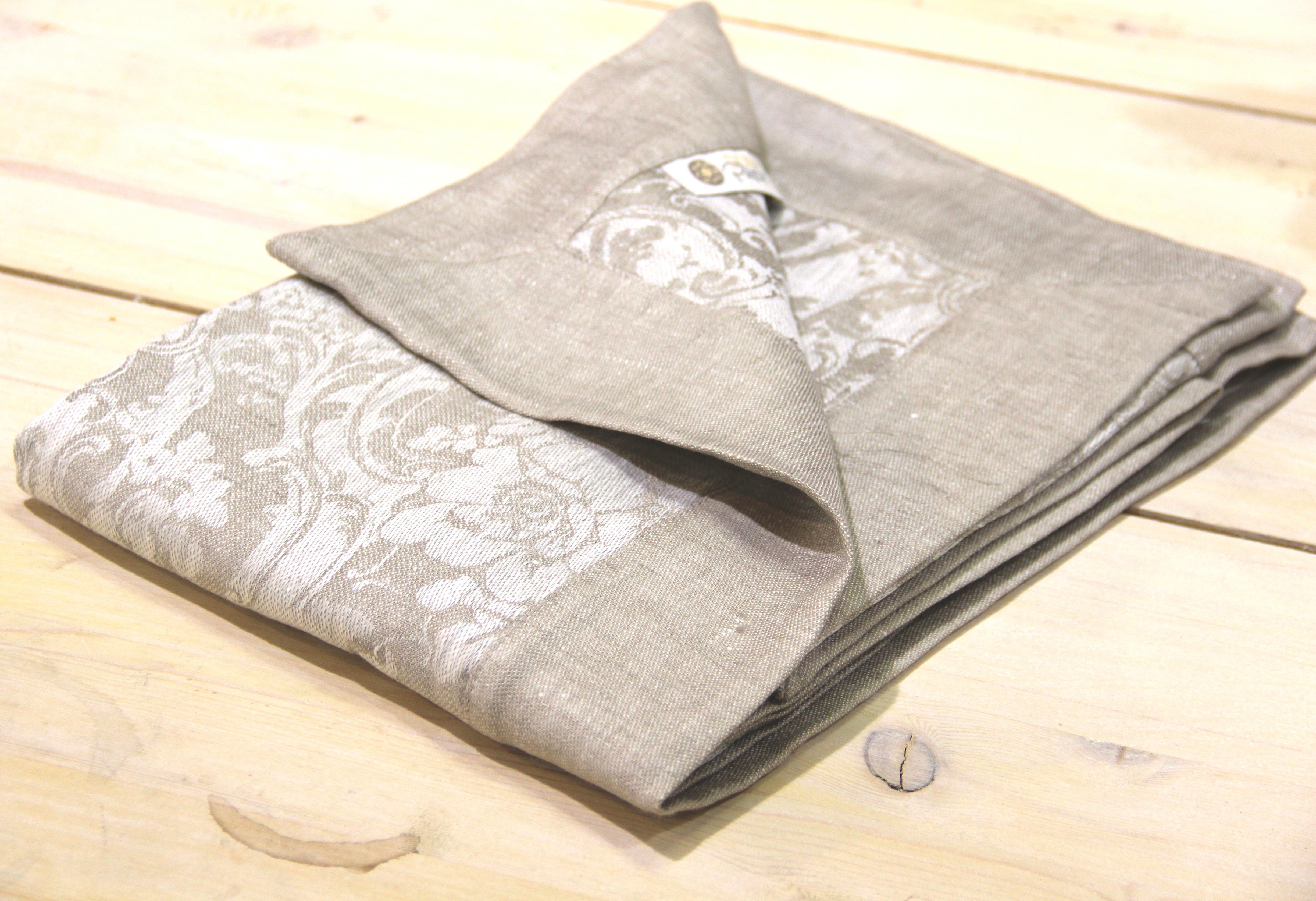 текстиль для кухни марки DOMpastel - скатерти, дорожки и салфетки из натуральному льна.